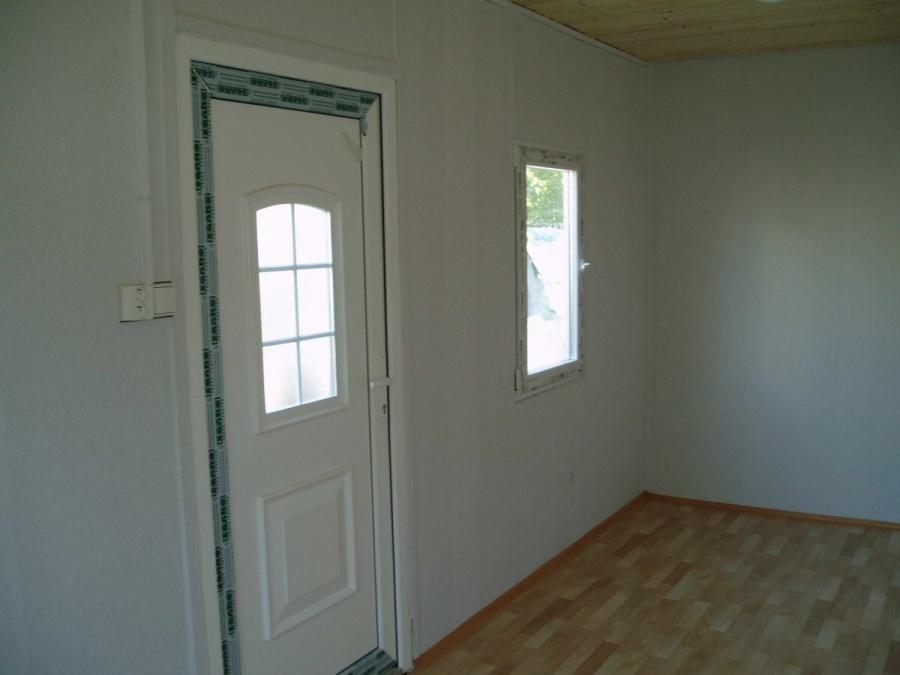vnitrek-dvere-okno